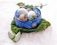 Ciotola con le uova Fotografia Stock Libera da Diritti
