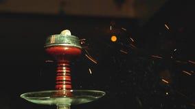 Ciotola del narghilé con i carboni dalla cima archivi video
