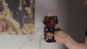 Ciotola del narghilé con i carboni dalla cima video d archivio