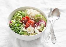 Ciotola delle verdure e del cuscus Sano, dieta, concetto vegetariano dell'alimento Ciotola di Buddha del vegetariano fotografia stock