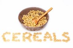 Ciotola di Brown con i cereali Immagini Stock Libere da Diritti