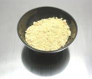 Ciotola di chinaware con la farina di soia immagine stock libera da diritti