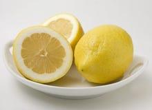Ciotola di limoni freschi Immagini Stock