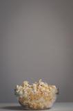 Ciotola di popcorn Fotografie Stock Libere da Diritti