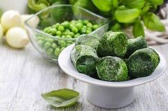 Ciotola di spinaci congelati Fotografia Stock Libera da Diritti