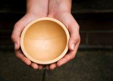 Ciotola di supplica di legno Immagini Stock Libere da Diritti