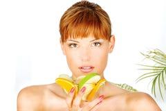 Ciotola in pieno di frutta Fotografie Stock Libere da Diritti