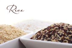 Ciotola quadrata di riso crudo Fotografia Stock