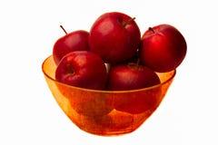 Ciotola rossa di mele rosse Immagine Stock Libera da Diritti