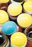 Ciotola variopinta della ceramica fotografie stock libere da diritti