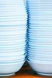 Ciotole blu sulla tabella Immagine Stock