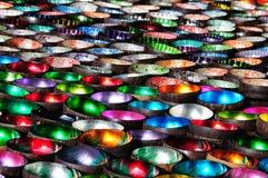 Ciotole Colourful nel mercato di Bac Ha immagine stock
