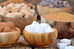 Ciotole con i vari generi di zucchero immagine stock libera da diritti
