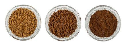 Ciotole con il caffè liofilizzato, granulato e macinato di istante fotografie stock libere da diritti