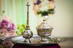 Ciotole dei potpourri e vasi d'argento di fragranza Fotografie Stock