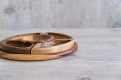 Ciotole di legno sulla tavola immagine stock libera da diritti