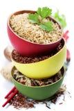Ciotole di riso crudo Fotografie Stock