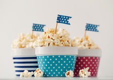 Ciotole variopinte di popcorn Immagine Stock Libera da Diritti
