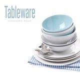 Ciotole vuote, piatti, forchette e cucchiai, isolati Fotografie Stock
