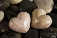Ciottoli a forma di del cuore immagine stock