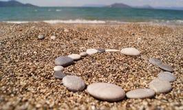 Ciottoli su una spiaggia Immagini Stock Libere da Diritti