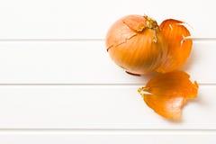 Cipolla sbucciata Fotografie Stock