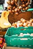 Cipolle e zucca sul DOS Lavradores o il mercato di Mercado dei lavoratori Fotografia Stock Libera da Diritti