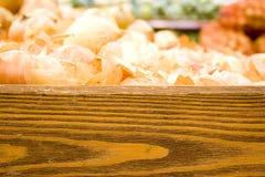 Cipolle organiche fresche dell'azienda agricola assortita Immagine Stock Libera da Diritti