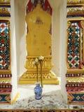 Cippo di confine al tempio buddista Immagini Stock