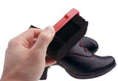 Cirage - chaussures de nettoyage photos stock