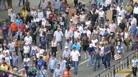 Circa 2017 Protest van Caracas Venezuela voor vrijheid in Venezuela Grote menigte stock footage