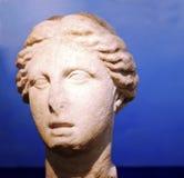 Circe雕象的头在1928年被找到由圣费利斯居民Circe峰顶的倾斜的 罗马艺术-统治权 免版税库存照片