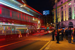 Circo de Piccadilly em Londres, Reino Unido, na noite Foto de Stock