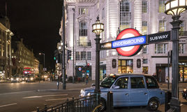 Circo LONDRES, Inglaterra - Reino Unido de Piccadilly de la estación del metro de Londres - 22 de febrero de 2016 Fotos de archivo libres de regalías
