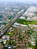Circondare dell'aeroporto e della città della Tailandia Fotografie Stock Libere da Diritti