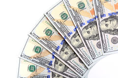 Новые счеты 100-доллара США, сложенные как вентилятор, положили в circu Стоковые Фотографии RF