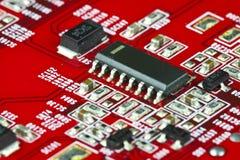 Circuit électronique rouge Image stock