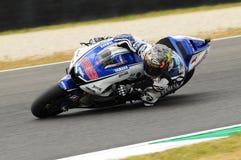 Circuit de MUGELLO - 13 juillet : Jorge Lorenzo d'équipe de Yamaha pendant la session de qualification de MotoGP Grand prix de l' Photo libre de droits