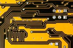 Circuit jaune intéressant de carte mère Photographie stock libre de droits