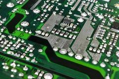 Circuitboard med motstånd, mikrochipers och elektroniska delar Maskinvaruteknologi för elektronisk dator Inbyggd communicati Arkivfoton