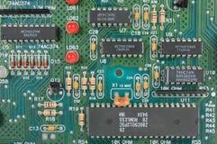 Circuito con i componenti elettronici Fotografia Stock Libera da Diritti