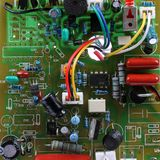 Circuito con le componenti elettriche Fotografie Stock
