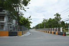 Circuito de carreras del motor en ciudad Fotos de archivo