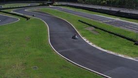 Circuito de carreras para competir con de Kart Tiro aéreo metrajes