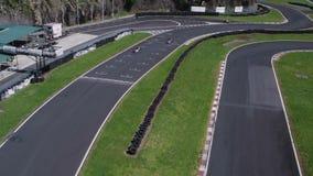 Circuito de carreras para competir con de Kart Tiro aéreo almacen de metraje de vídeo