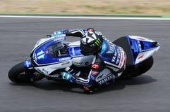 Circuito de MUGELLO - 13 de julho: Ben Spies Yamaha que compete na sessão de qualificação de MotoGP Prix grande de Itália, o 13 d Fotografia de Stock Royalty Free