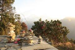 Circuito di Annapurna - pietre di trekking Immagine Stock