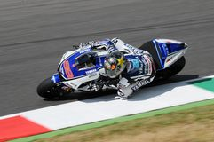 Circuito di MUGELLO - 13 luglio: Jorge Lorenzo del gruppo di Yamaha durante la sessione di qualificazione del Gran Premio di Moto Immagine Stock Libera da Diritti