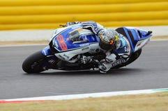 Circuito di MUGELLO - 13 luglio: Jorge Lorenzo del gruppo di Yamaha durante la sessione di qualificazione del Gran Premio di Moto Immagine Stock