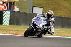 Circuito di MUGELLO - 13 luglio: Jorge Lorenzo del gruppo di Yamaha durante la sessione di qualificazione del Gran Premio di Moto Immagini Stock Libere da Diritti